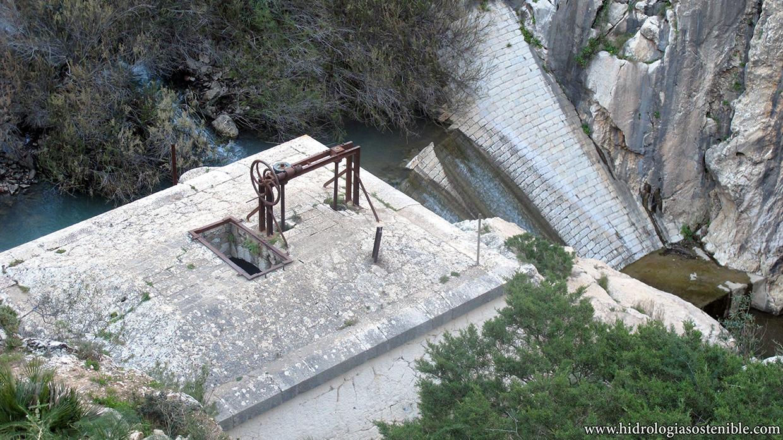 Caminito del Rey antigua represa y toma de agua