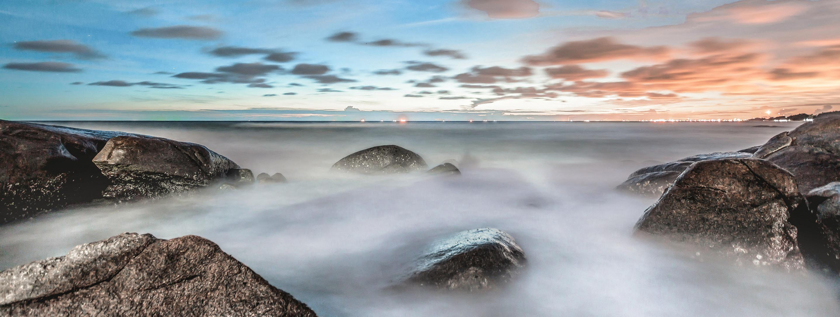 sea-sky-ocean-rocks-Pan