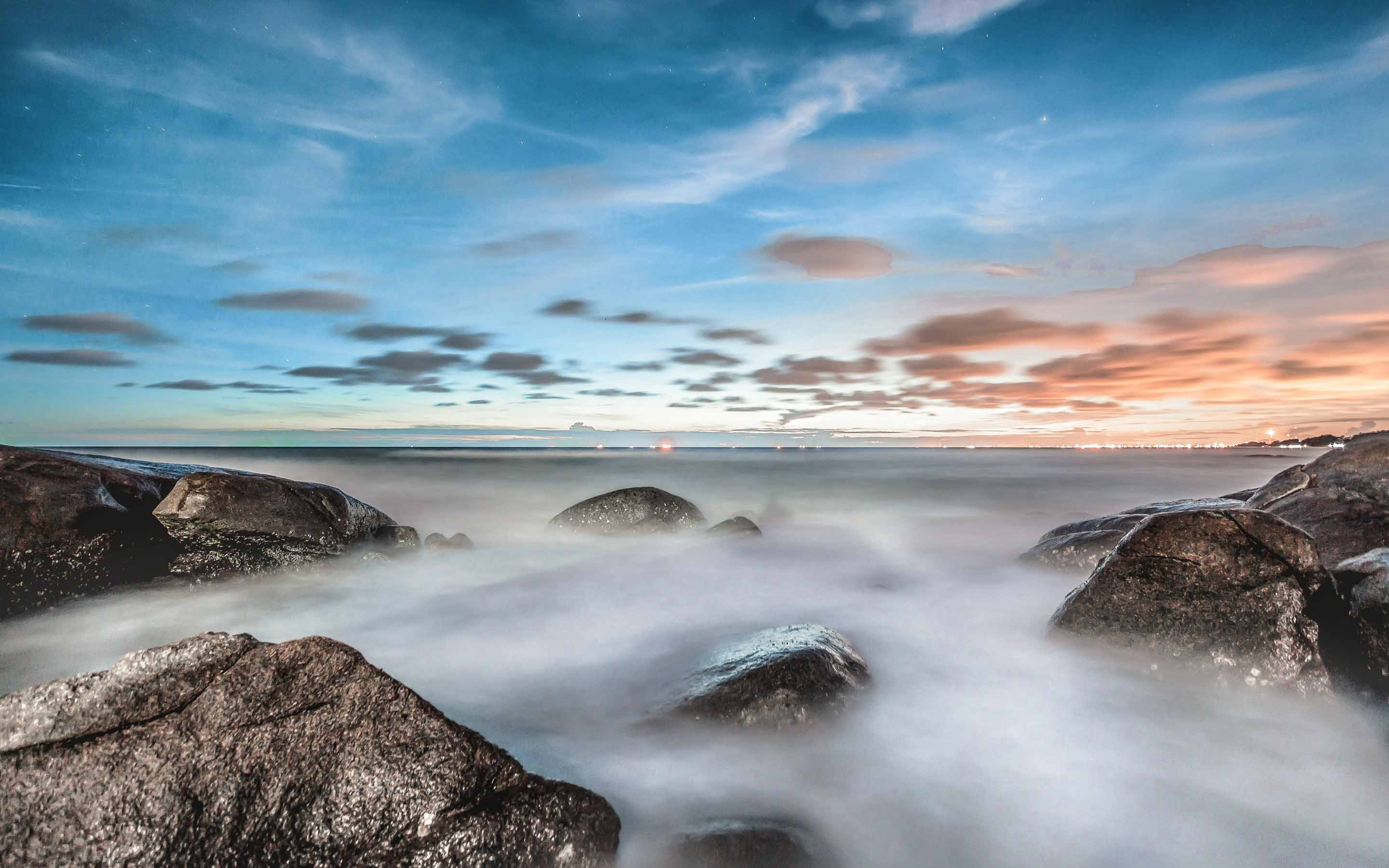 Sea-sky-ocean-rocks-fog-nature-landscape-2880x1800